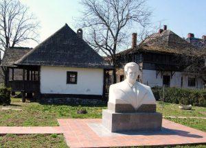 Denkmal von Nicolai Ceaucescu in seinem Geburtsort in Scornicești