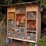 Hotel für Bienen und Nützlinge