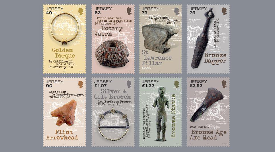 Diese acht faszinierenden archäologischen Funde auf Jersey Briefmarken sind Zeugen der langen, bewegten Geschichte von Jersey, der größten Kanalinsel, welche weder dem Vereinigten Königreich angehört, noch eine Kronkolonie ist, sondern als Kronbesitz direkt der britischen Krone unterstellt ist. (© Jersey Post)