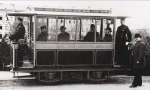 erste elektrische Straßenbahn Berlin