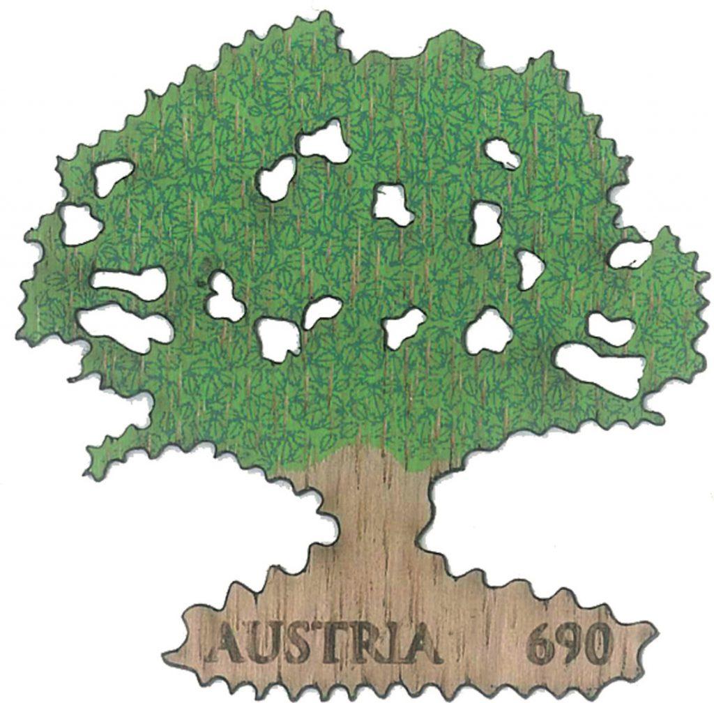 """Die Holz-Briefmarke """"Eiche"""" der Österreichischen Post – eine besondere Rarität für Briefmarkenfreunde! (© Österreichische Post)"""