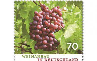 Die Weinanbaufläche in Deutschland ist im Laufe der Jahrhunderte aufgrund des Aufkommens des Biers, der Schäden des Dreißigjährigen Krieges und der Verbreitung der Reblaus zwar geschrumpft, die Qualität des Weines hat aber deutlich zugelegt: Deutscher Wein wird national und international immer beliebter! (© Deutsche Post)