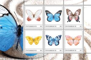 Zum Kleben: Schmetterlinge auf Briefmarken